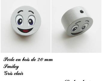 Wooden bead of 20 mm, flat bead, smiley face: light gray