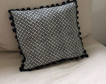Pillows with black and white tassel 30 X 33 cm and geometric