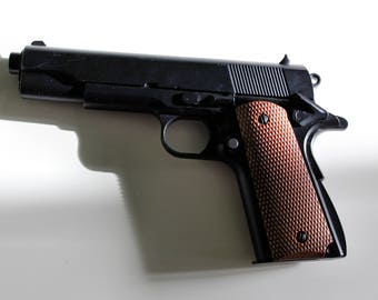 Tomb Raider (2013) Gun