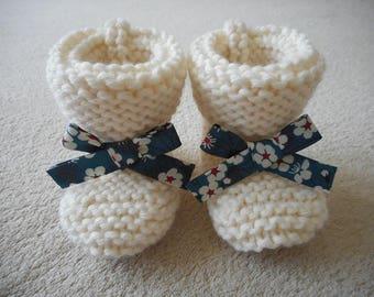 Baby bow and ecru wool liberty mitsi blue.