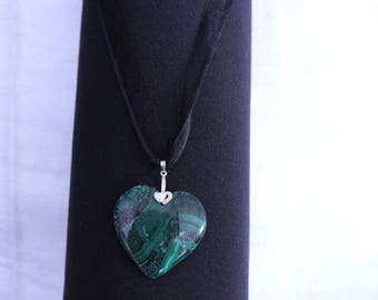 malachite and anti bacterial and anti inflamatoire pyrite necklace