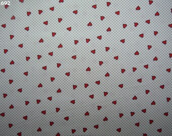 Fabric C692 little red hearts on background coupon 35x50cm