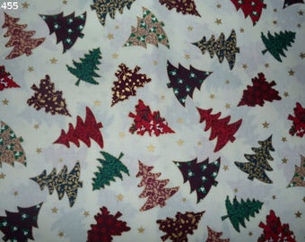 C455 of Christmas trees on a background fabric unbleached 34x50cm coupon