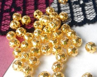 Golden metal beads filigree 4 mm - 10 beads (15 MB)