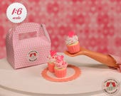 Miniature Pink & White Cupcakes for Barbie or Blythe, Miniature Cupcakes with Box, Dollhouse Cupcakes, 1:6 Scale Cupcakes