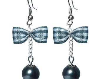 These glamorous earrings retro vintage grey Gingham Bow