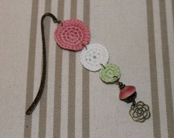 Bookmark crochet cotton Pink White Green and bronze metal