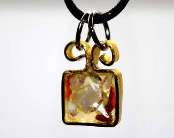 """Pendant small gift""""resin and gems"""