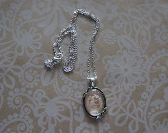 Hand painted beige Elegance necklace