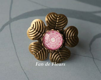 Pink flower pattern lace background shape bronze ring