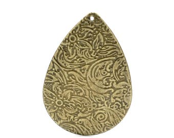 1 large ethnic bronze pendant drop