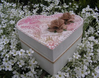 "Shabby heart ""on a music note"" style jewelry box"
