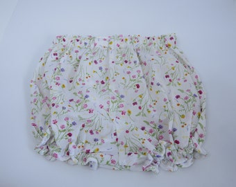 Baby bloomers- Floral bloomers- Bloomers for baby- -Newborn bloomers-Baby 0-3 months bloomers-Baby girl bloomers- Newborn bloomers
