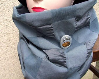 Snood gray fabric Choker Haute Couture and PIN around a beautiful piece of Baltic amber