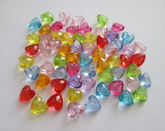 30 perles coeur mix couleurs en acrylique 14 x 11 mm