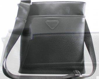 Elegant small cross body bag.