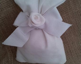 White cloth favor bag with Rose