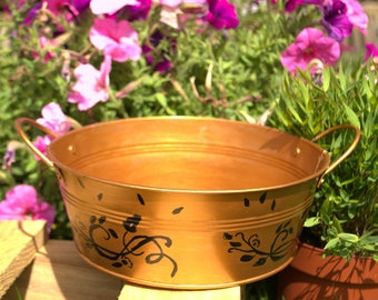 Decorative pot copper sleek patterns