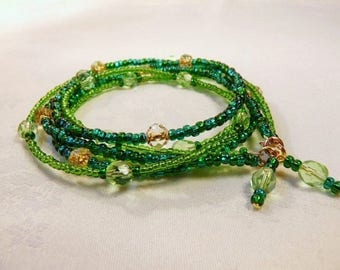 """Bracelet """"Verdo"""" glass beads and gold filled metal"""