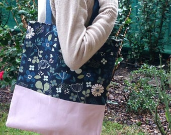 Tote bag flower pattern