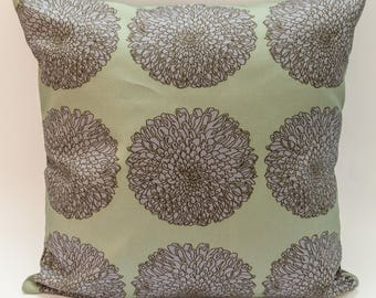 Modern Floral Cushion Cover Digitally Printed in Chrysanthemum Lilac Pattern Made from 100% Cotton