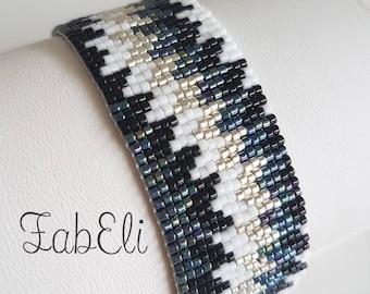 Cuff Bracelet in Miyuki beads
