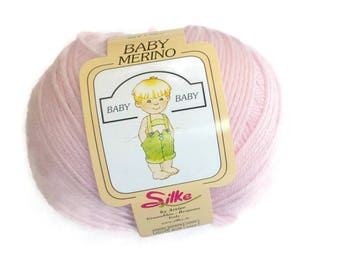 Fine baby merino yarn light pink 200 meters/219 yards 50 grams/1.76 Oz | Strickgarn Farbe rosa | Laine a tricoter rose