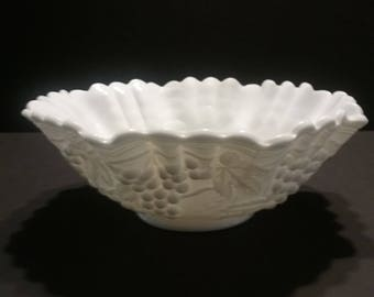 Imperial grapes pattern vintage milk glass bowl w/ crimped ruffle edge