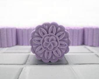 Lavender Shower Steamer – Shower Steamer – Shower Steamers – Shower Steamer Puck – Shower Fizzy – Shower Fizzies – Steamer – Gift Pack