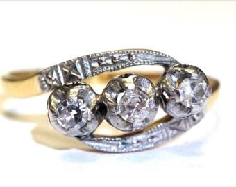 Antique Victorian 18K Yellow Gold 3 Stone Diamond Ring Size 7.5