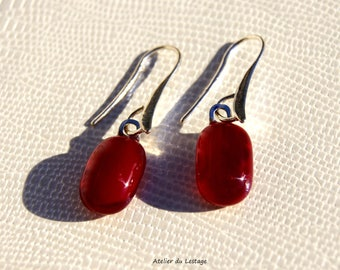 Earrings in 925 sterling silver and red glass