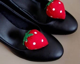 Shoe clips - strawberries