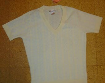 1960s True Vintage Yellow and White V-neck T-shirt