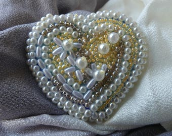 Brooch, heart shaped brooch, beaded brooch, accessories, handmade jewelry, beaded embroidery brooch