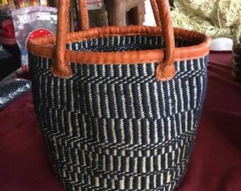 African sisal Baskets bag| African Wooven Market bag| Kenyan Bag| Kiondo sisal bag| Straw shopper  bag| Fruit Baskets bag|