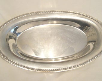 "Serviceable American Silver Plate Bread Tray in ""CASTLETON""  with Gadroon Border"