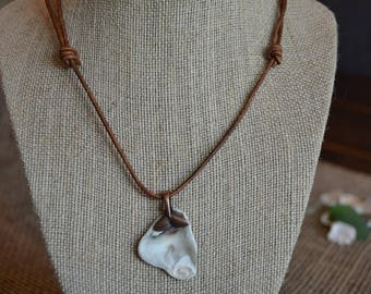 Shell on Bronze Whale Tail/Adjustable Leather