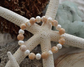 "Natural Mother of Pearl and Fresh Water Pearl Bracelet 7"" Medium"
