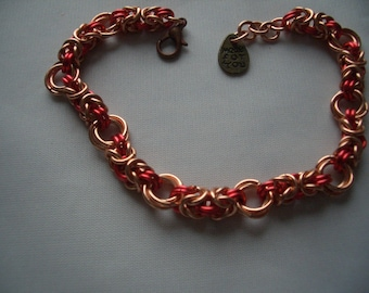 Two colour Byzantine mobius chainmaille bracelet