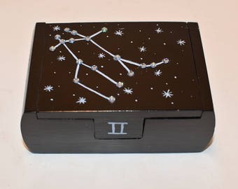 Gemini zodiac constellation box