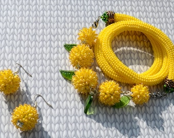 """Set of jewelry necklace and earrings """"Mimosa"""" made of beads"""