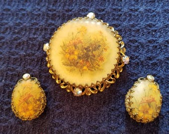 Stunning Vintage Brooch and Earring Set