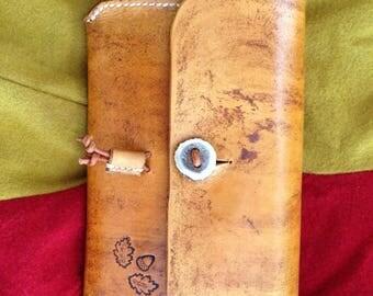 Handmade vegetable tan handbag