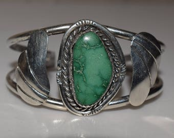 Green Turquoise Sterling Silver Leaf Feather Native American Navajo Southwestern Style Cuff Bracelet