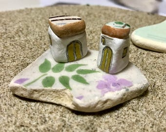 Beach House Gift, Little House with Beach Pottery Roof, Ocean Lover Gift, Beach finds Art, Coastal Home Decor, House Warming Gift, Sea Gift