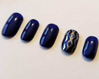 Deep Blue and Silver Chrome Accent Nail