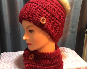 Women's Hat And Neck Wrap Set Dark Red