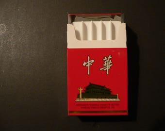 James Bond  - The Man with the Golden Gun - CHUNGHWA Cigarette Box and holder for Golden Bullets