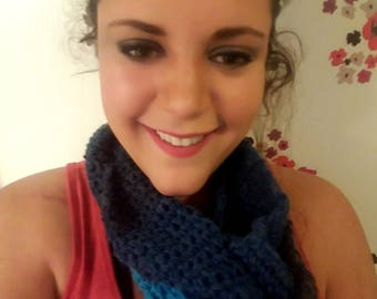 A scarf in blues