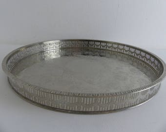Vintage Round Silver Plated Galleried Tray (EI11)
